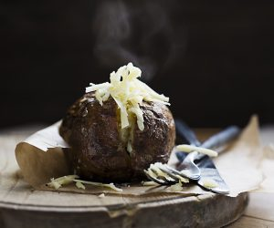 910_BakedPotato with Cheese with steam_9697